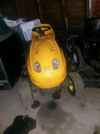 yellow and black pressure washer Akron, 44306