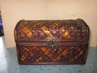 Vintage Weaved Accent Wooden Treasure Keepsake Chest Winnipeg