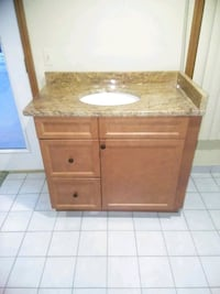 39 inch maple wood vanity with granite top Shelby Charter Township, 48317