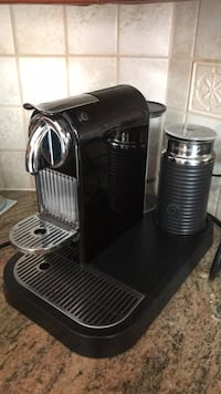 black and gray Keurig coffeemaker Dollard-des-Ormeaux, H9G 2X5