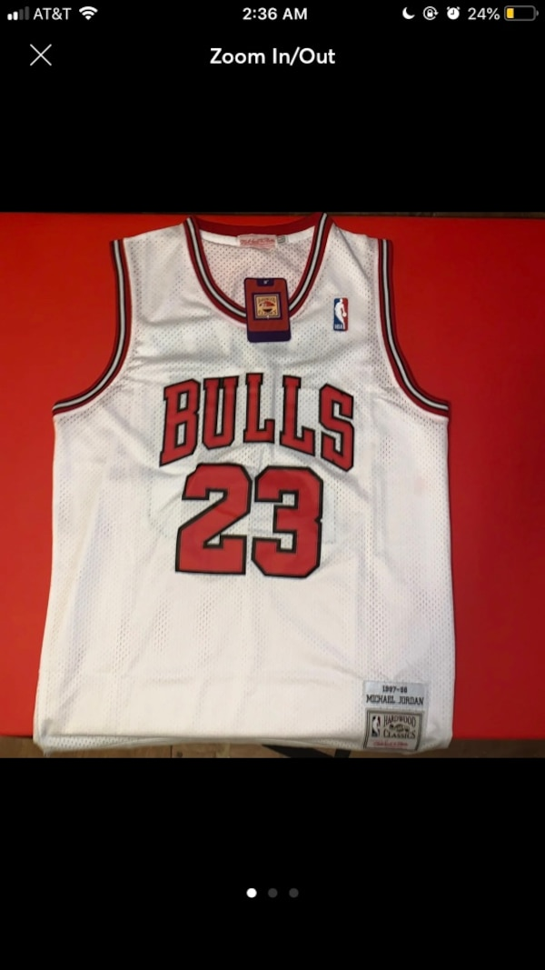 AUTHENTIC Chicago Bulls 97-98 MJ Road Jersey. 1661cc28-fc35-4b34-aaf6-f085061487d7