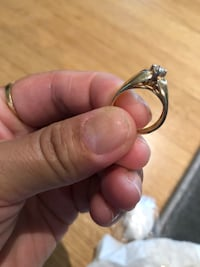 Gold-ring with diamond