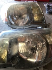 TOYOTA TACOMA HEADLIGHTS WITH FOG LIGHTS AND HID LIGHT BULBS BEST OFFER TAKES ALL Escondido, 92026