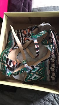 Pair of black-and-green print wedges Odenton, 21113