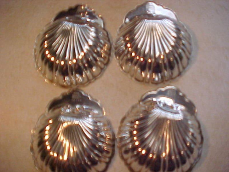 4 Birks Vintage Sterling Silver Hallmarked Candy Or Nut Clam Shell Trays e75a23c1-263c-4990-b179-3112f0972cea