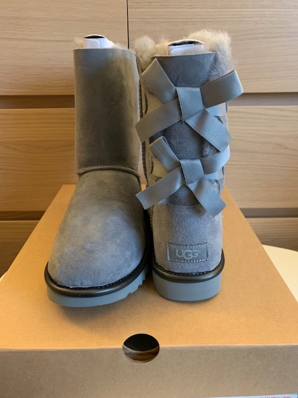 acd2c1d0a7e Used UGG Brand New In Box Authentic Women's Bailey Bow II ...