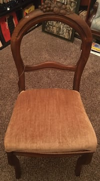Antique Acorn chair Concord, 28025