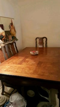 Beautiful Table! With Amazing carvings! Toronto