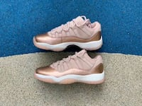 NIKE WOMENS AIR JORDAN 11 LOW ROSE GOLD BASKETBALL