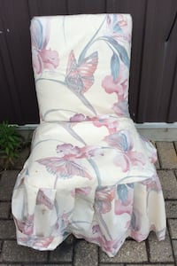 white and pink floral armchair Barrie, L4N 6Y8