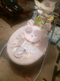 baby's white and gray cradle and swing Lima, 45805