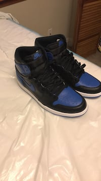 pair of black-and-blue Air Jordan shoes New Orleans, 70126