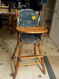 Highchair, wood Sykesville, 21784