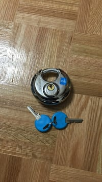 SmartStop padlock with two keys Mississauga, L4W 2Y1