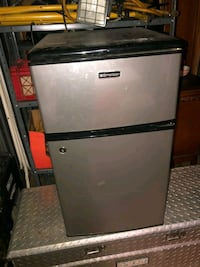 mini freezer and refrigerater  Baltimore, 21224