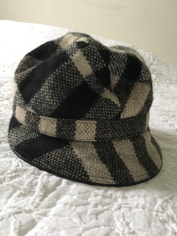 ab4fd04c54a Used Authentic Burberry hat for sale in Calgary - letgo