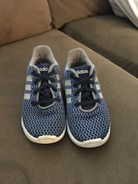 Pair of blue-and-Adidas shoes Size 7  Ventura, 93001