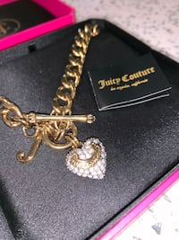 Juicy Couture gold heart necklace Richmond, V6V 2P7
