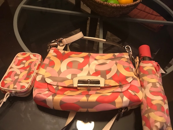 Coach bag with accessories