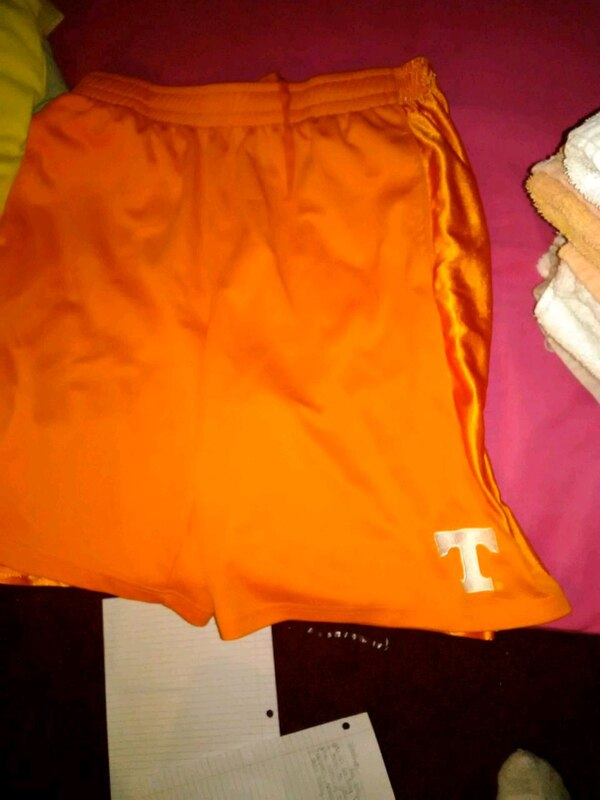 TN vols size LG gym shorts