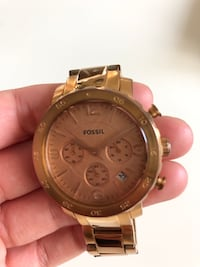 Round gold-colored chronograph watch with link bracelet Toronto, M4C 3C5