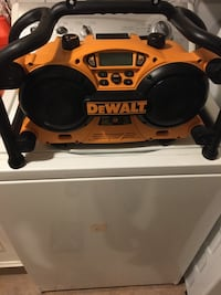 Dewalt DC011 Heavy-Duty Work Site Radio.