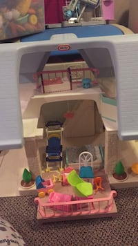 Little tikes doll houde  with lots of furniture. This you allows hours of creative play. Vaughan, L4J 5L7
