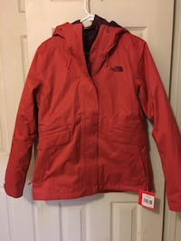 New woman's size large 3 in 1 North Face winter coat-Norton pickup Norton, 02766