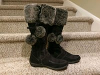 New 6.5M  AE Pom Pom Boots Woodbridge, 22193