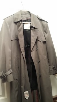 London Towne 40S Trench coat Chicago