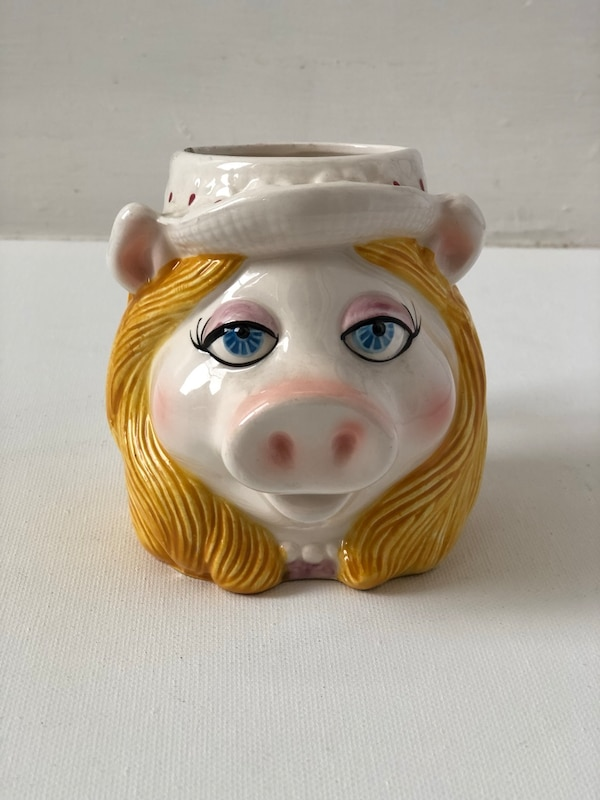Hand painted Mrs. piggy cup