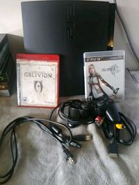 Ps3 like new with ine controller and 2 games Everett, 98201
