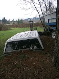 white and black camper shell Clackamas, 97015