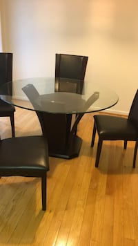 Dining room table 4chairs Ellicott City, 21043
