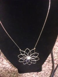 silver chain necklace with heart pendant