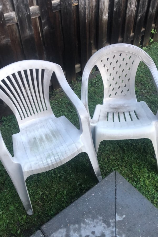 Outdoor chairs f4bef5a3-929b-4031-8368-9bccc11ab860