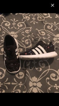 Adidas shoes size 6c must sell last week 782 km