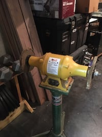 Grizzly Grinder/Buffer w/ heavy duty stand  Prattville