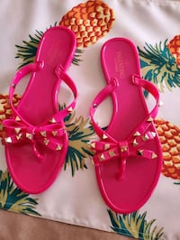 400d19a7a Used Sandals size 8 for sale in Boca Raton - letgo