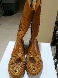 Embroided boots size 6  Mississauga