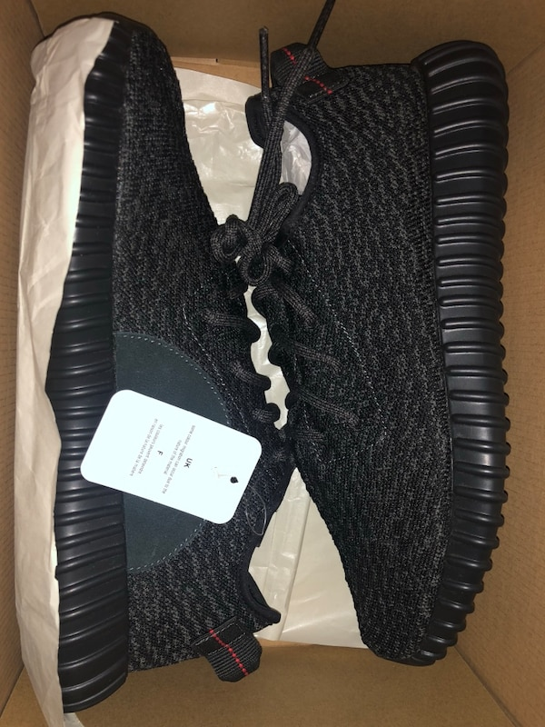 "017204b4f YEEZY BOOST 350 V1 ""Pirate Blacks"" size 9.5 worn 1x usado en venta ..."