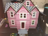 Melissa and Doug doll house  Arlington, 22205