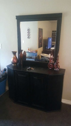 Black entry way/accent table with mirror