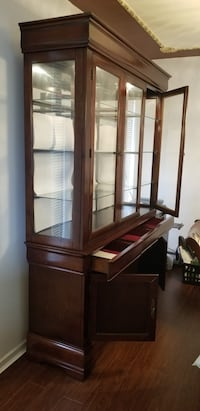 Dining table with China cabinet Surrey, V3W 0P6