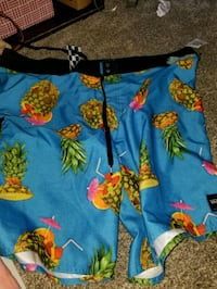 Sz 42 surf shorts  Kapolei, 96707