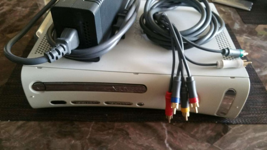 XBOX 360 CONSOLE GAME PLAYER GOOD WORKING COND