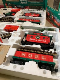 Lionel Electronic G Scale Christmas Sets Towson, 21204