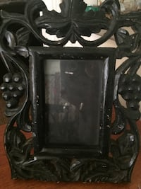Wooden picture frame. Bakersfield, 93309