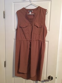 Worn once XL dress halter style with cinched waist   Kelowna, V1Y 4C9