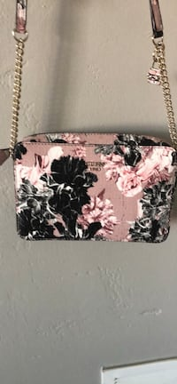 white and black floral wristlet Midland, 79707